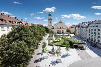 Josephsplatz mit Grünanlage