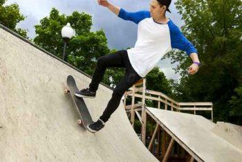 Skater auf Halfpipe