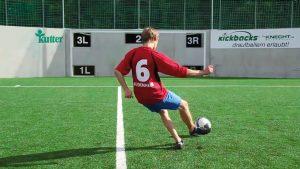 Fußballwand mit Spieler