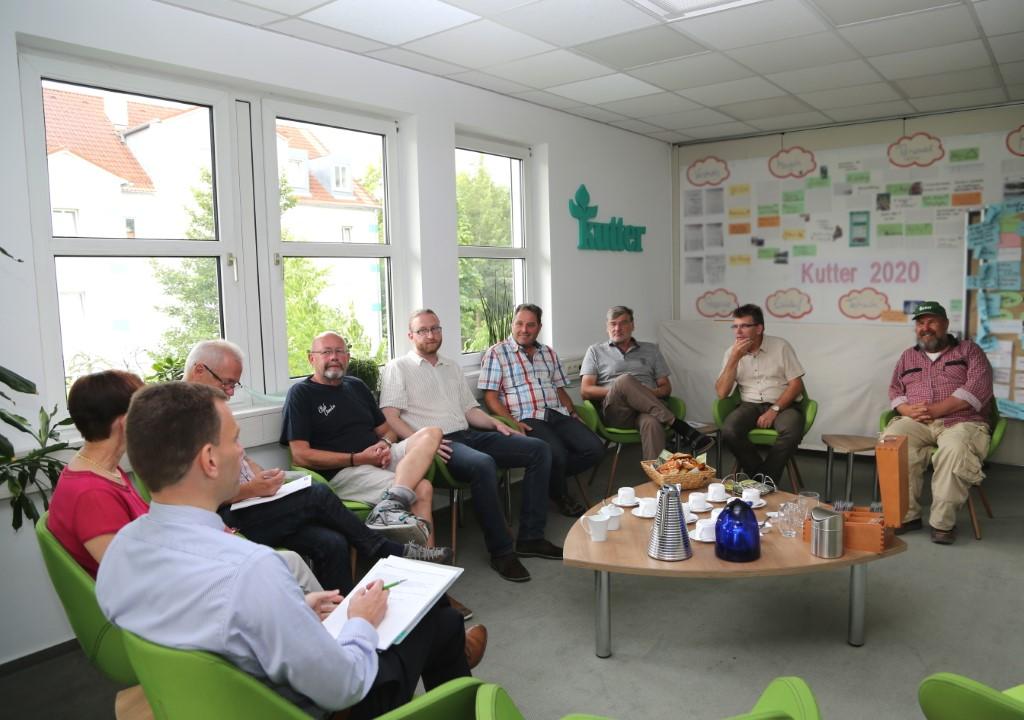 Bei der regelmäßig organisierten Denkerrunde tauscht sich das Führungsteam über Visionen und Potenziale aus. Foto: Hermann Kutter GmbH & Co. KG