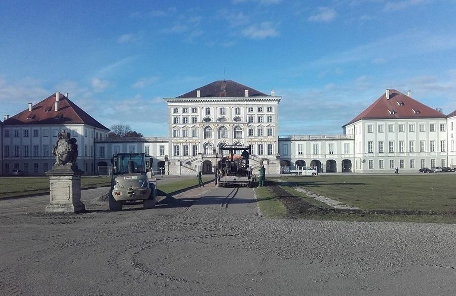Kutter Sportanlagen und Landschaftsbau saniert die zentralen Wege und Plätze im Schlosspark Nymphenburg. Foto: Hermann Kutter GmbH & Co. KG